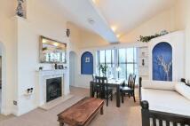 2 bed Apartment in Castelnau, Barnes, SW13