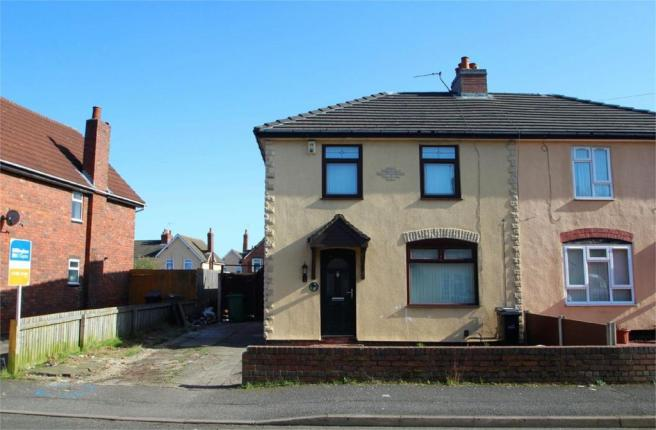 3 bedroom semi detached house for sale in malvern crescent