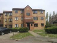 Flat to rent in Pioneer Way, Watford