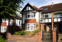 4 bedroom property for sale in Carbery Avenue, Acton