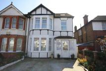 Flat in Lynton Road, Acton