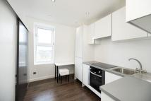 Flat to rent in Aldridge Court, Acton