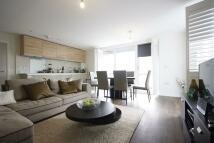 Flat to rent in Drummonds Court, Acton