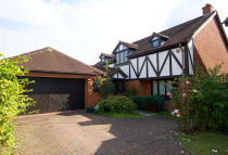 Groveside Close house for sale
