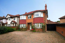 4 bed house in Shaa Road, Acton