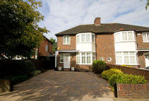 3 bed house for sale in Pierrepoint Road, Acton