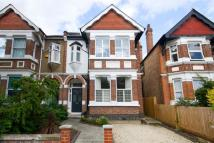 4 bedroom property in Chatsworth Gardens, Acton