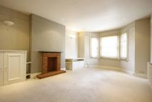 2 bedroom Flat to rent in The Vale, London