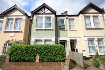 2 bedroom Flat to rent in Berrymead Gardens, Acton