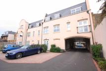 Flat to rent in Broomcroft Court...