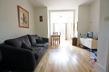1 bed Flat to rent in Harvard Road, London