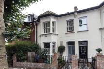 4 bedroom property for sale in Silver Crescent, Chiswick