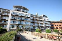 Flat to rent in Regatta Point, Brentford