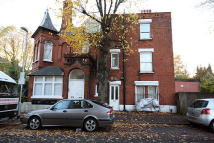 house to rent in Wellesley Road, London