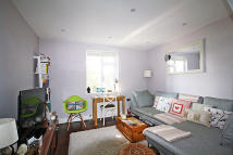 Chiswick High Road Flat to rent