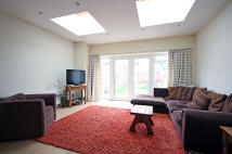 4 bedroom home in Riverview Grove, London