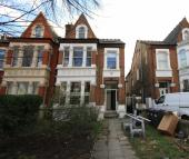 Flat to rent in Chiswick High Road