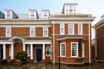 6 bedroom home in Redcliffe Gardens, London