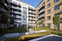 Flat for sale in Kew Bridge Road...
