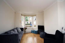 3 bedroom house in Bridgman Road, London