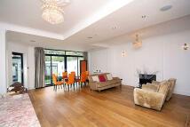4 bedroom property to rent in Ellesmere Road