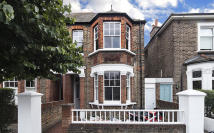 4 bedroom home in Montgomery Road, Chiswick