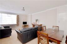2 bedroom Flat in Nightingale Lane, London...