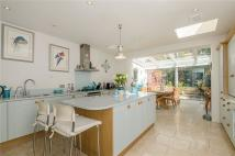 Terraced home to rent in St. John's Hill Grove...