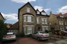 3 bed Flat to rent in Warwick Road, London