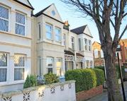 Flat for sale in Drayton Grove, Ealing