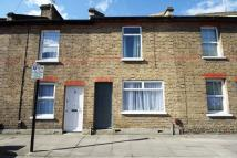2 bed Flat to rent in Grove Road, London