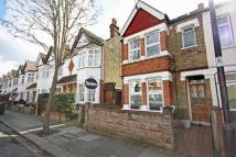3 bed Flat in Elthorne Avenue, Ealing