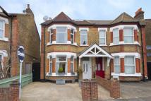 5 bed home for sale in Oaklands Road, Hanwell