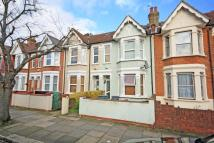 5 bed home in Northcroft Road, Ealing