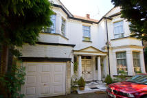 7 bedroom home in Tring Avenue, Ealing