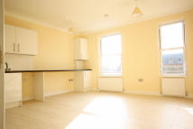 3 bedroom Flat in Broadway, Ealing