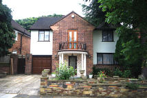 4 bed property in Chatsworth Road, Ealing