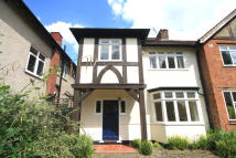 4 bed Flat to rent in Chester Gardens, Ealing