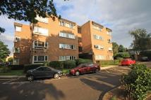 Flat to rent in Stanley Court, Ealing