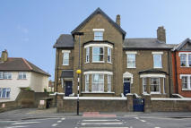 2 bed Flat for sale in Boston Road, Hanwell