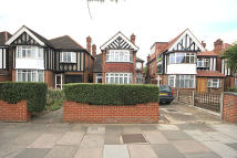 4 bed home to rent in Popes Lane, London