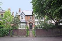 Flat to rent in North Common Road, Ealing