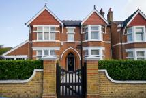 5 bedroom home in Longfield Road, Ealing