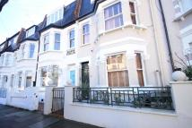 4 bed home in Woolneigh Street, London