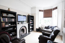 Flat to rent in Radipole Road, London