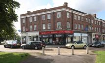 2 bed Flat to rent in Hampton Court Parade...