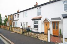 2 bed home in New Road, Hanworth...