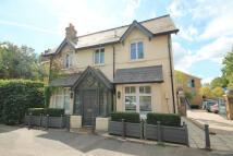 Hampton Court Road property to rent