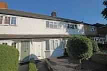 2 bed house in Dean Road, Hampton