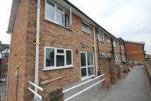 3 bedroom Flat to rent in Avenue Parade...